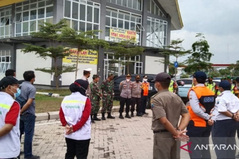 Seluruh pengendara tujuan Pulau Jawa wajib lengkapi dokumen kesehatan