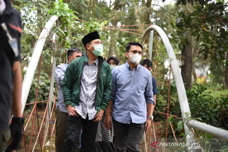 Tekan COVID, Bupati Bandung tutup wisata Ciwidey dan sekitarnya
