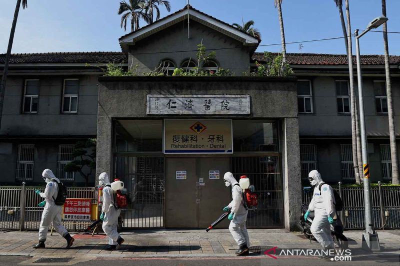 Taiwan terapkan aturan COVID, minta warga tidak panik belanja