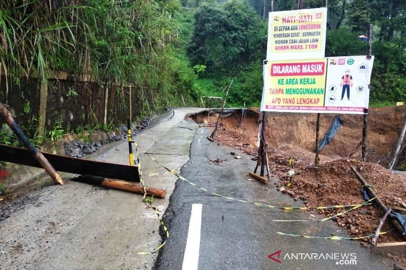 Tanah longsor putuskan badan jalan nasional di Takengon Aceh Tengah