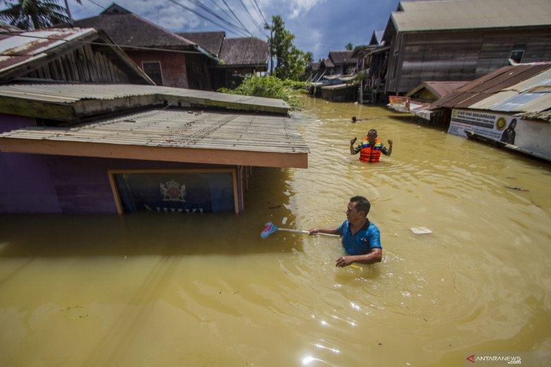 Kebijakan sanitasi kurangi risiko penularan penyakit setelah banjir