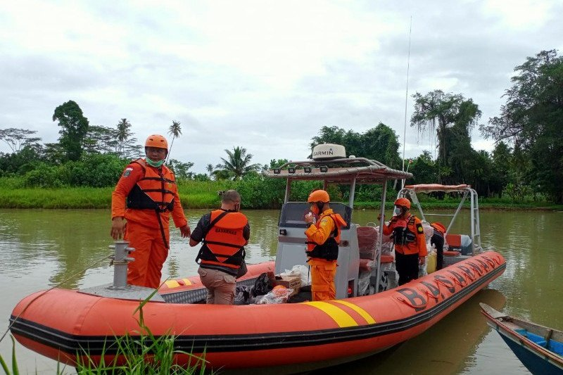 Delapan nelayan Nias Selatan hilang saat melaut
