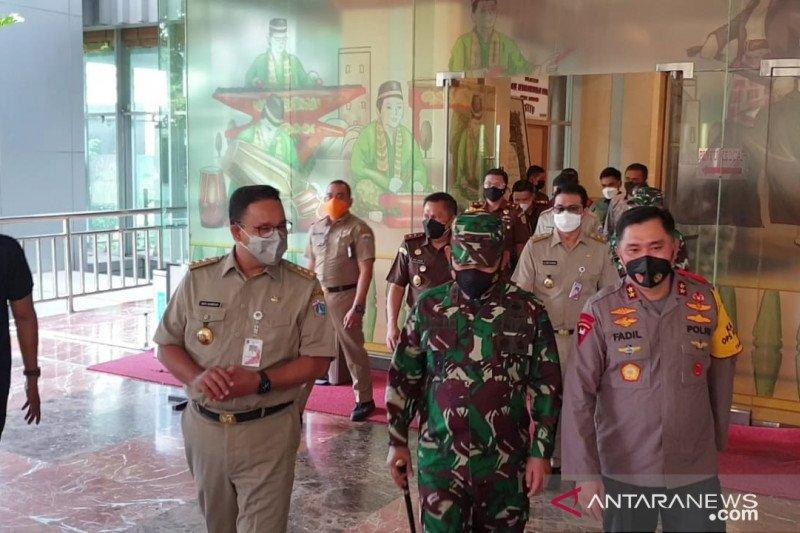 Skrining pemudik, Anies tegaskan tak ingin larang warga masuk Jakarta