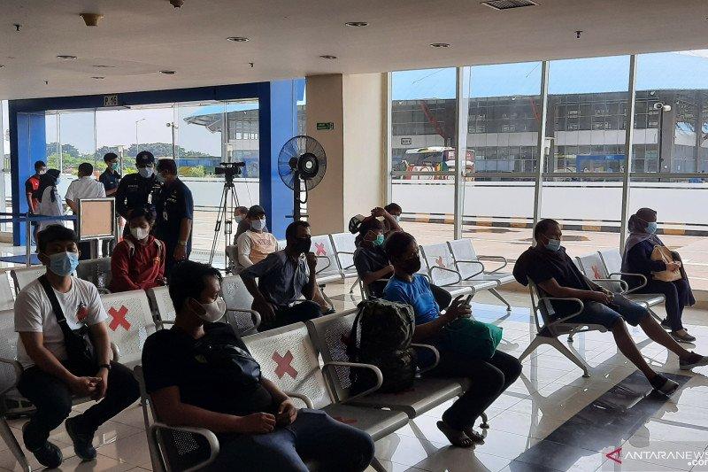 Terminal Pulogebang kirim lima pemudik positif COVID-19 ke Wisma Atlet
