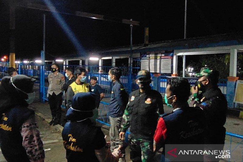 Polres Maros ketatkan pemantauan swab di Bandara Sultan Hasanuddin