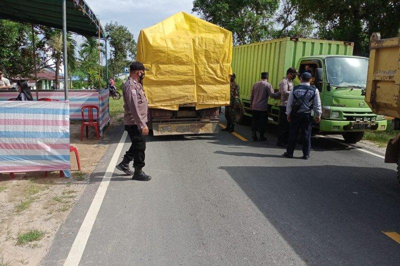 938 kendaraan diperintahkan putar balik pada Operasi Ketupat di Kalbar