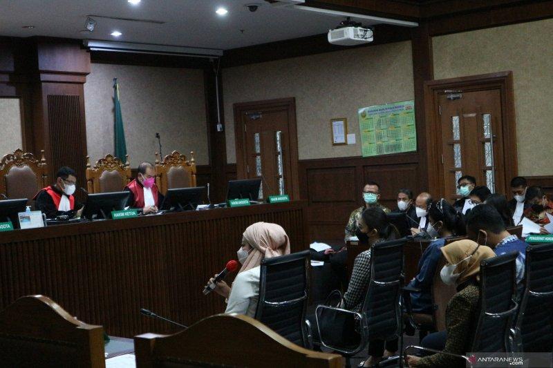 Tiga sespri akui dapat fasilitas apartemen dari Edhy Prabowo