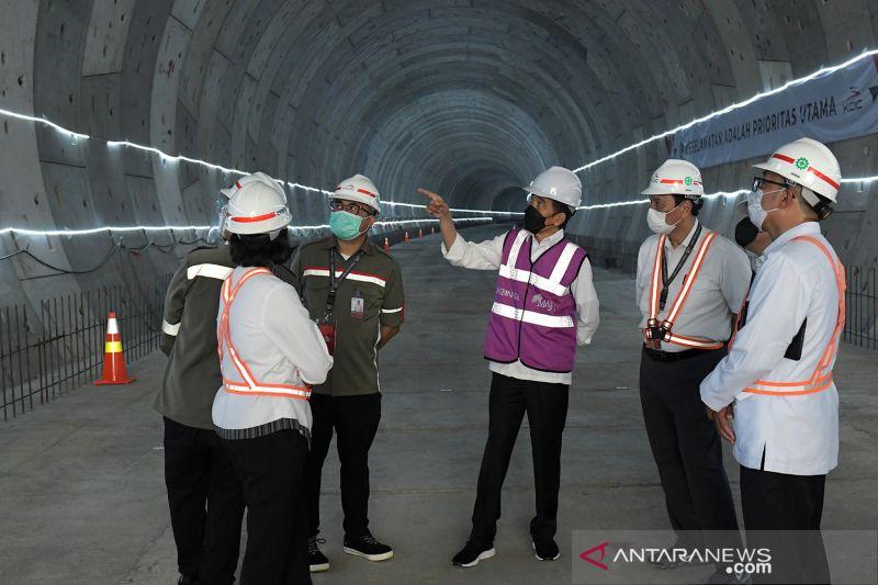 Kemarin, Presiden tinjau proyek kereta cepat hingga piutang Bulog