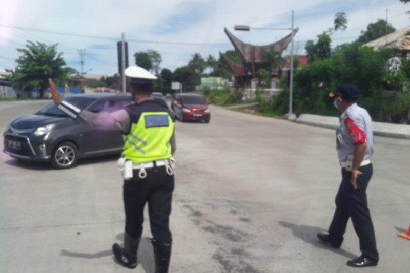 Selama Operasi Ketupat Samrat, Polda Sulut putar balik 728 kendaraan