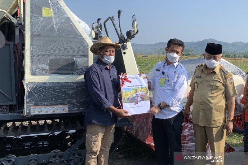 Kementan salurkan bantuan alsintan untuk petani di Kabupaten Malang