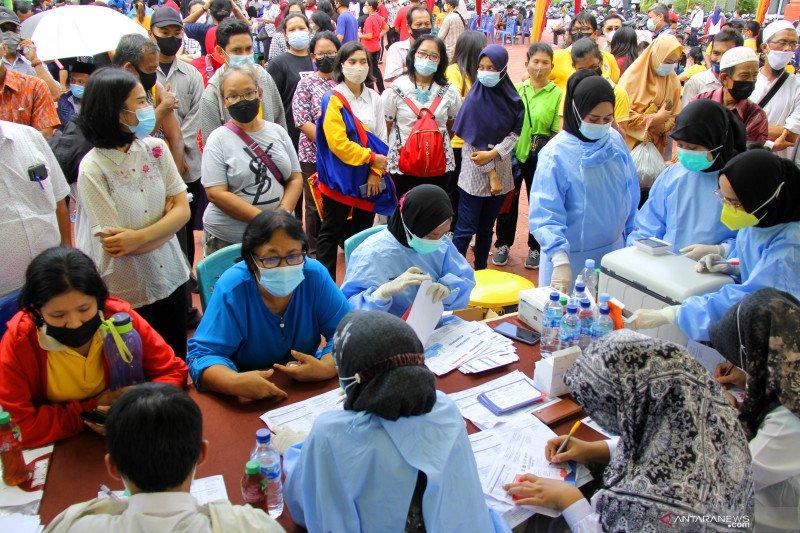 Gubernur Riau: Dumai harus habiskan 5.000 dosis vaksin sepekan