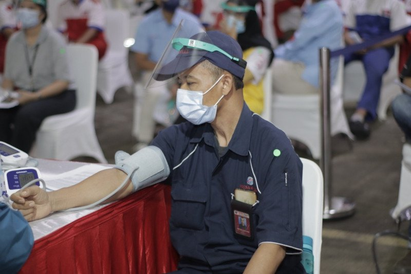 Kimia Farma dukung vaksinasi gotong royong karyawan Grup Astra