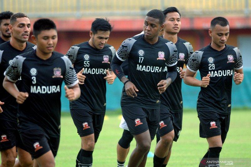 Madura United tambah porsi latihan pemain