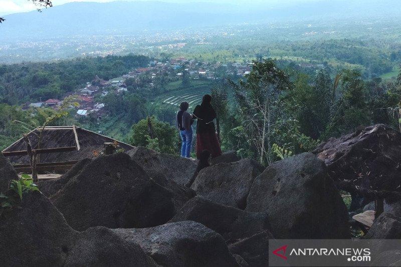 Warga Rejang Lebong kembangkan wisata alam Bukit Batu Lantana