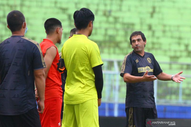 Arema FC tak diperkuat pemain asing di Piala Wali Kota Solo