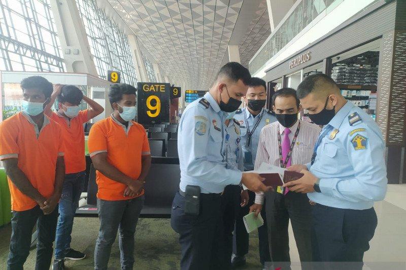Tiga WNA Sri Lanka dideportasi ke negara asal