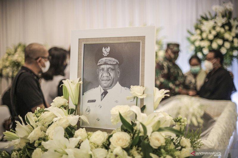 Kemarin, mulai Wagub Papua meninggal hingga tradisi Seba Badui Dalam