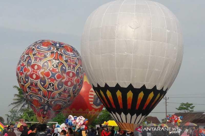 Puluhan balon udara semarakkan Syawalan di Wonosobo