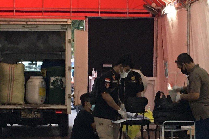 Polisi gerebek layanan rapid test lantatur di Medan