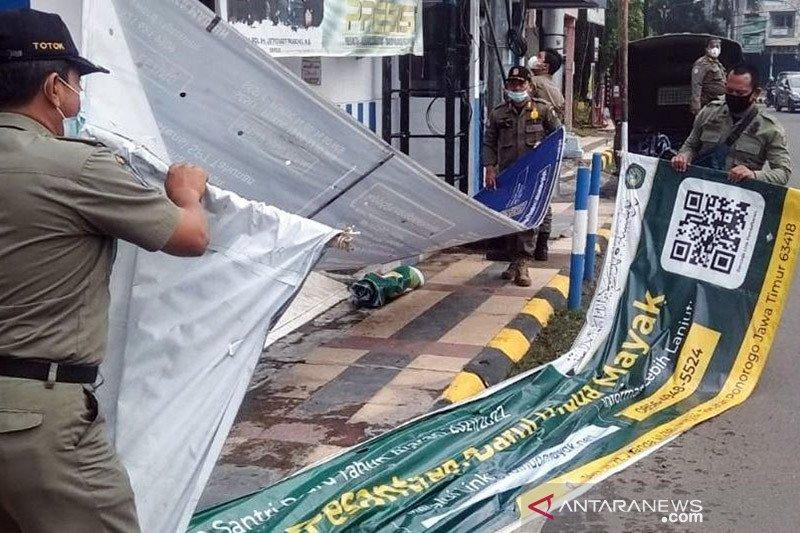 Satpol PP Kota Madiun tertibkan reklame melanggar perda