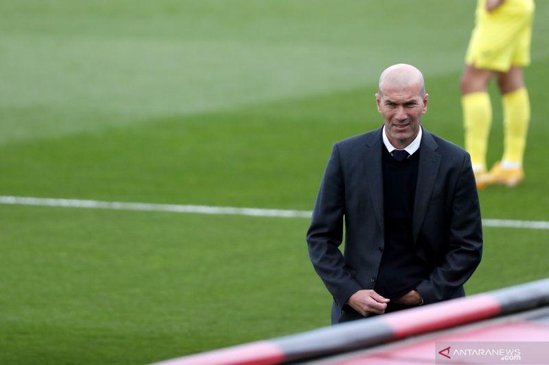 Zinedine Zidane putuskan mundur dari Real Madrid