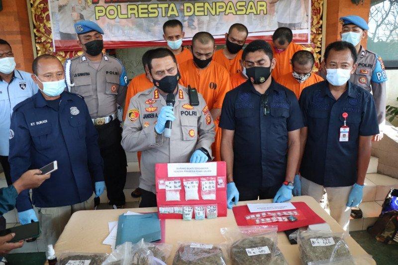 Polresta Denpasar sita ratusan ribu pil koplo dari buruh bangunan