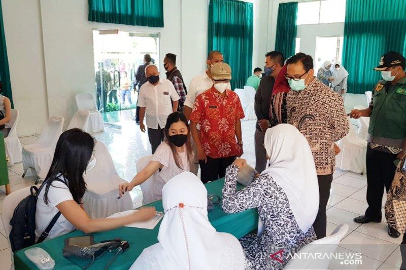 2.060 pelaku usaha wisata di Puncak Bogor jalani vaksinasi