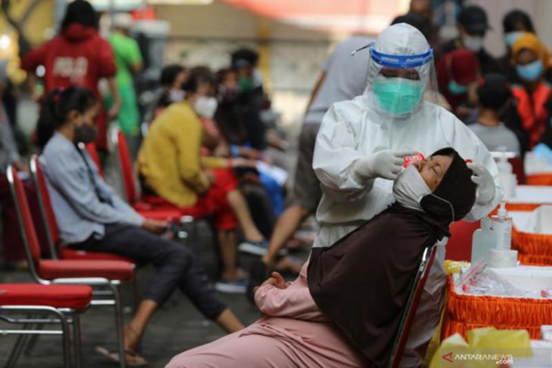 Kasus aktif COVID-19 di Indonesia bertambah jadi 98.704