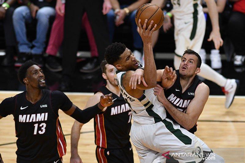 Bucks kembali unggul atas Heat pada gim ketiga
