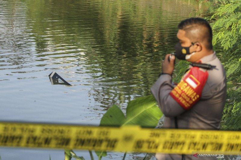 antarafoto pesawat latih jatuh di danau buperta 28052021 ada 5