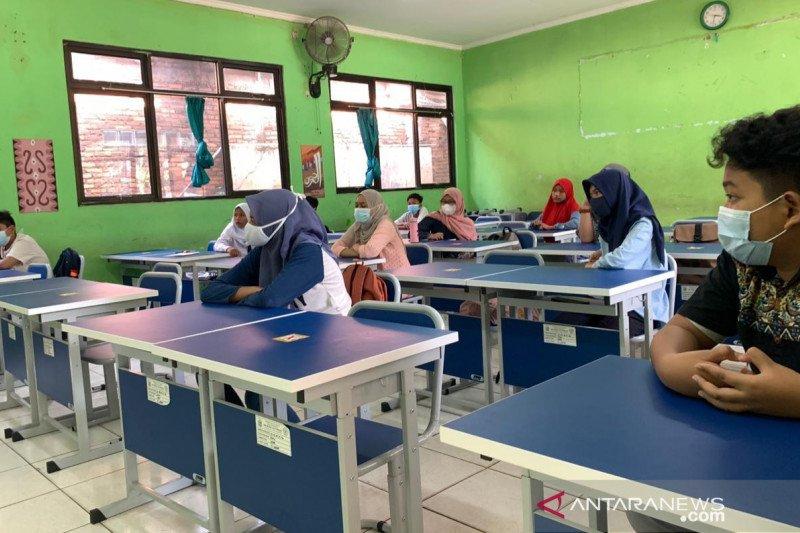 Pemkot Bekasi tunda tatap muka 80 sekolah