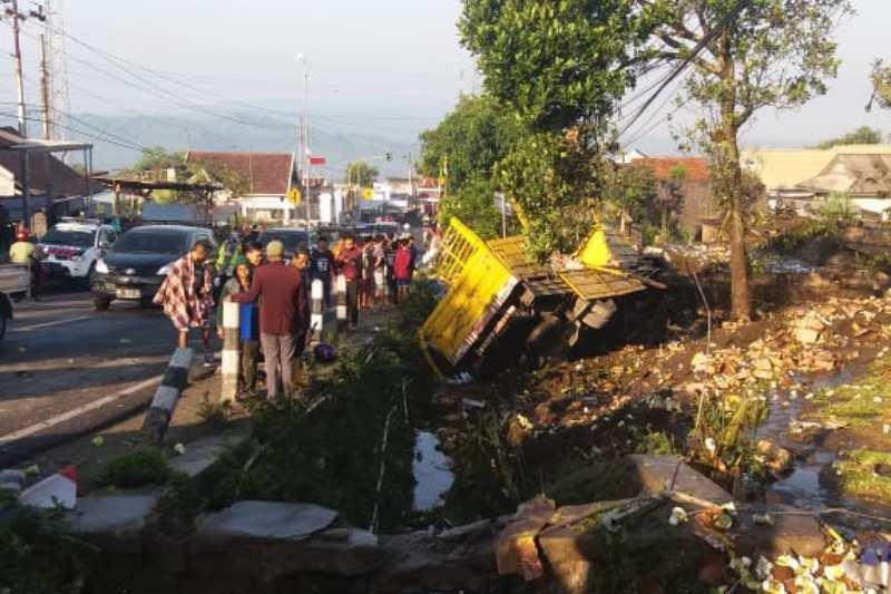 Kecelakaan di Kertek Wonosobo akibatkan empat korban tewas