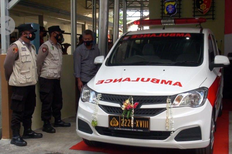 Polda Kalteng luncurkan ambulan siaga karhutla