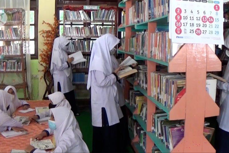 2.199 siswa madrasah di Aceh Barat mulai terima beasiswa PIP