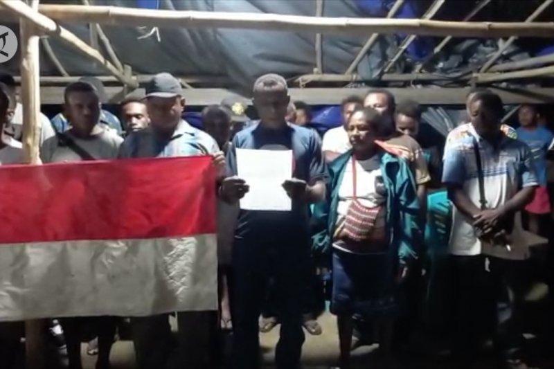 Gubernur NRFPB wilayah Meepago Nabire kembali ke NKRI