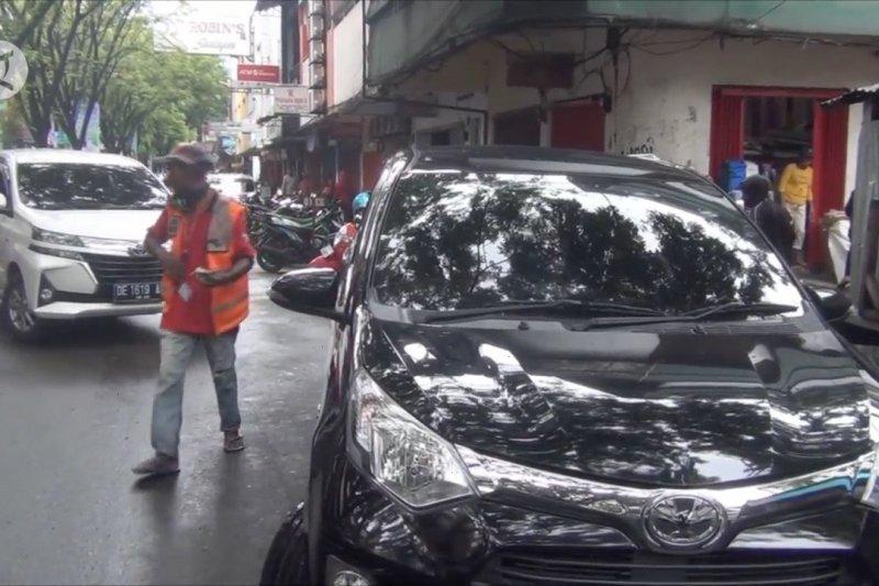 Pemkot Ambon naikkan tarif parkir progresif di zona strategis