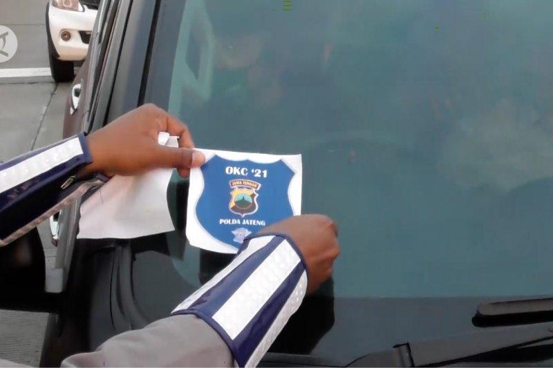 Polrestabes Semarang tempelkan stiker di kendaraan tujuan Jakarta