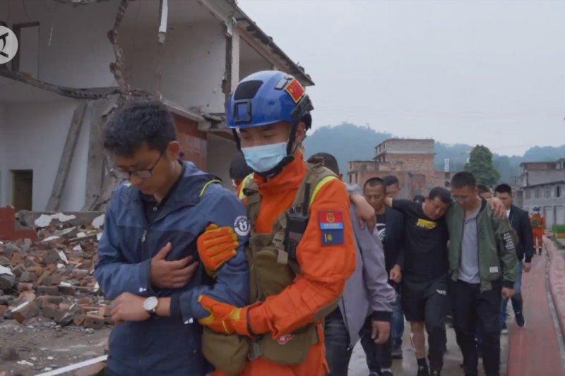 Provinsi Sichuan gelar simulasi gempa libatkan 6.100 pasukan darurat