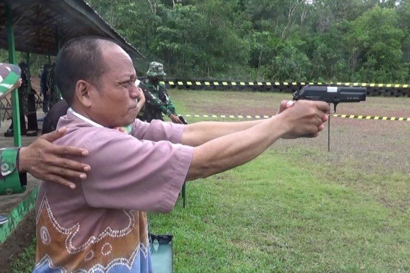 Bangun sinergitas, Korem 101 kenalkan latihan dasar menembak