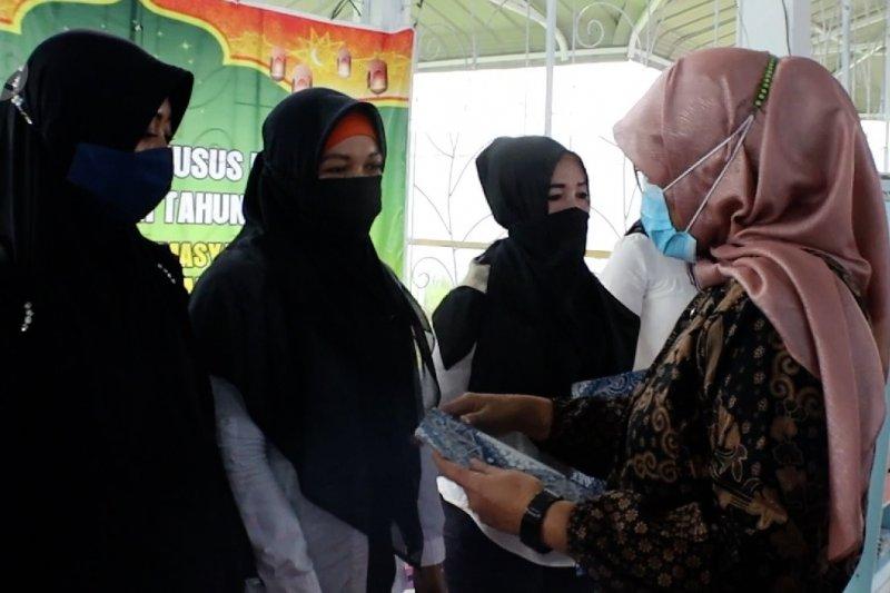 112 Warga binaan di lapas perempuan Pontianak terima remisi