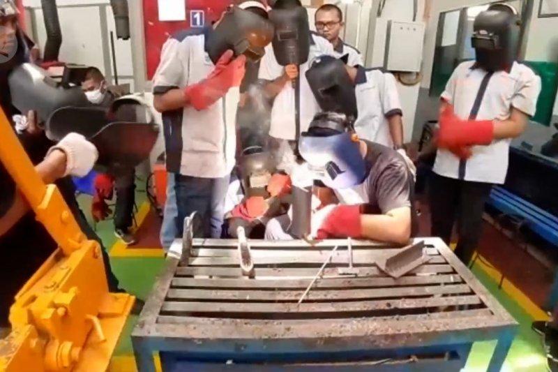 288 Ribu pekerja di Sumbar terdampak COVID-19