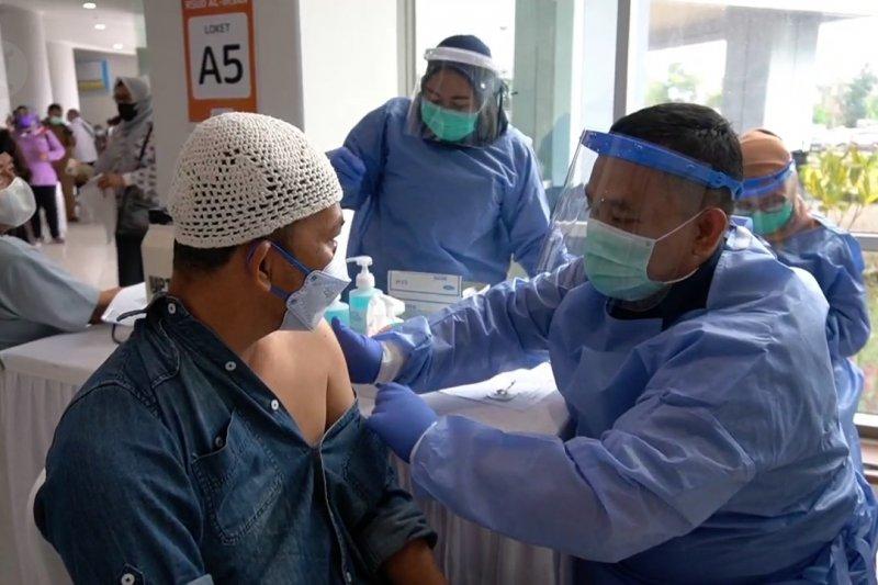 Dukungan Menkes untuk percepat vaksinasi lansia di Jabar