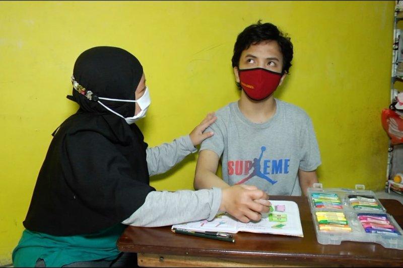 Semangat orang tua dampingi ABK belajar di tengah situasi pandemi