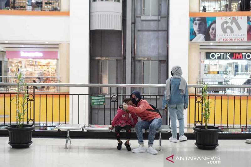 Pemkot Solo perbolehkan kelompok rentan kunjungi pusat perbelanjaan