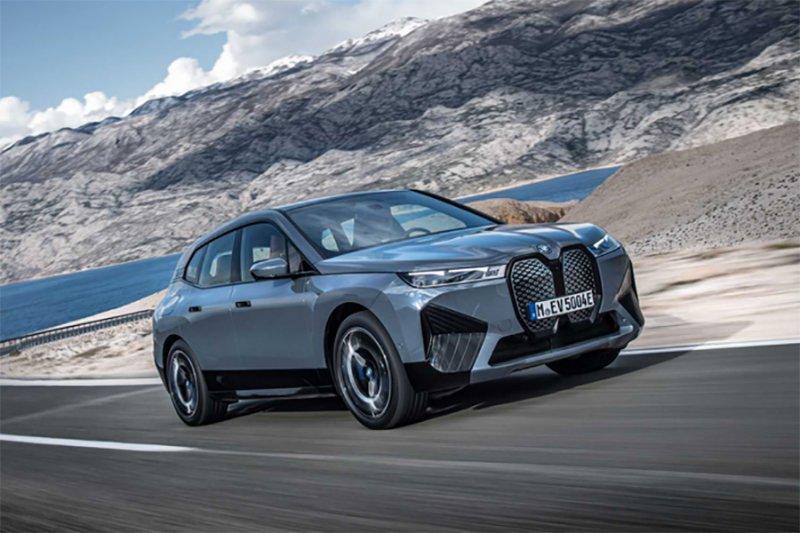 BMW siap rilis dua mobil listrik iX dan i4 tahun ini