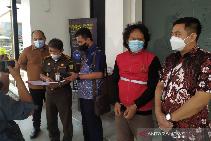 Kejari tangkap terpidana korupsi hibah Pemkot Bandung buron 8 tahun