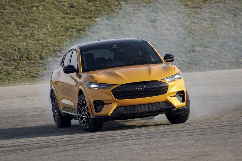 Ford tunda pengiriman Mustang Mach-E di Inggris karena sistem keamanan