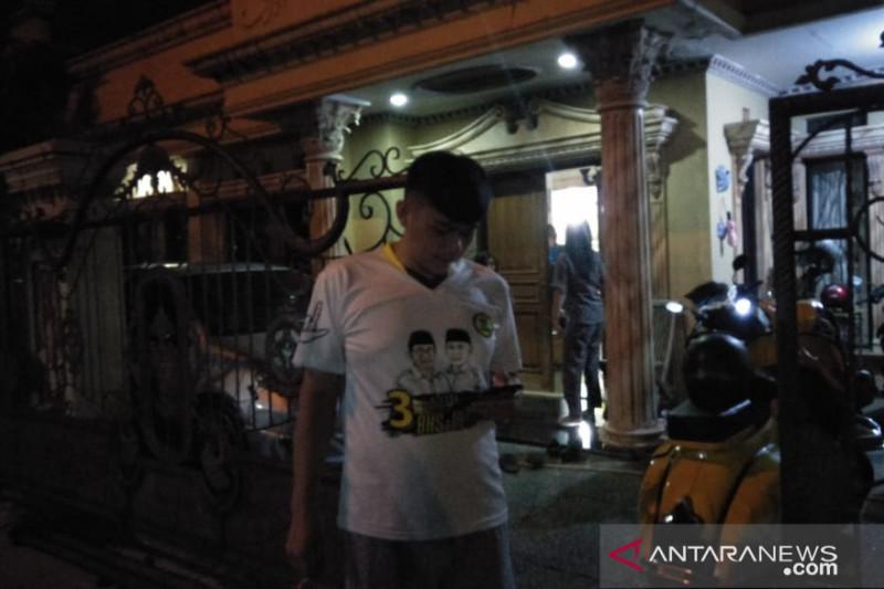 Warga Cianjur berhamburan keluar rumah diguncang gempa bumi