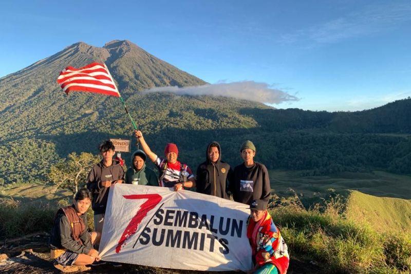 Perwira TNI sukses daki tujuh puncak Sembalun selama 5 hari