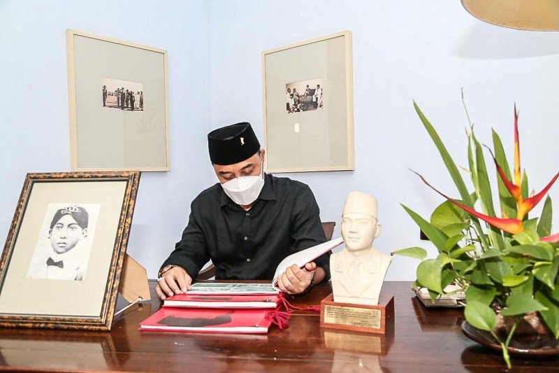 Wali Kota Surabaya teladani kepemimpinan Bung Karno